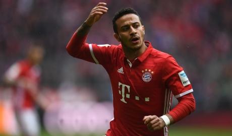 Bayern ra giá bán Thiago cho Barca