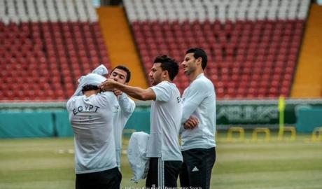 Không thể tự mặc áo, World Cup đã kết thúc với Moh Salah?