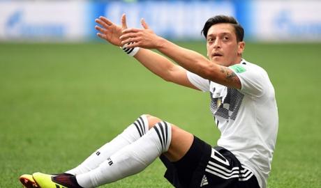 'Ozil có thể chia tay đội tuyển Đức sau World Cup'