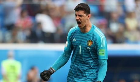 Thibaut Courtois khiến cuộc chiến thủ môn ở Real Madrid nóng bỏng