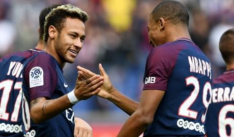 Neymar tuyên bố vẫn ở lại PSG