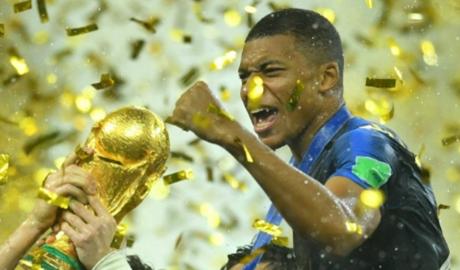 HLV Deschamps: 'Mbappe giỏi hơn Henry thời trẻ'