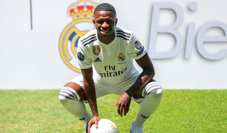 Real Madrid giới thiệu 'truyền nhân 18 tuổi của Ronaldo'