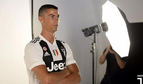 Xác định ngày Ronaldo chơi trận ra mắt Juve