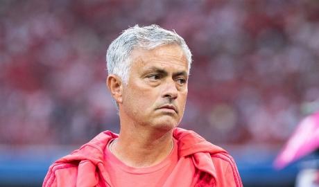 Mourinho sẽ nhận bao nhiêu nếu bị M.U sa thải?