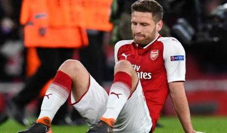 Unai Emery ngán ngẩm 4 trung vệ Arsenal