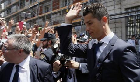 Mourinho trốn thuế: Khi Tây Ban Nha trở thành 'đất dữ' với ngôi sao