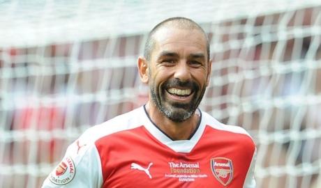 """Arsenal sẽ lọt vào top 4 Premier League và vô địch Europa League"""
