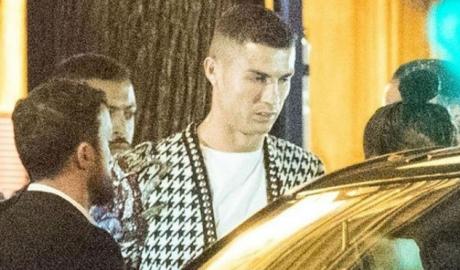 Ronaldo đón tin vui: Giải sầu bên bồ xinh chờ thoát nghi án hiếp dâm