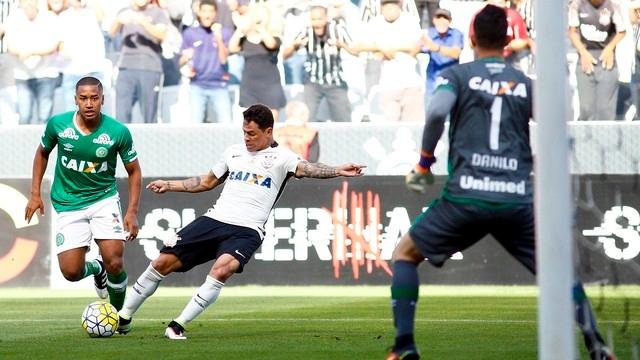 Nhận Định Corinthians vs Chapecoense 02h00 ngày 2/5 (Vòng 2 VĐQG Brazil 2019)