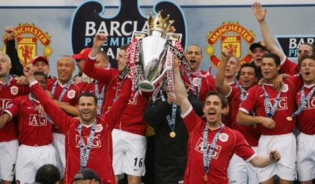 Neville: 'MU sẽ vô địch Premier League trước Liverpool'