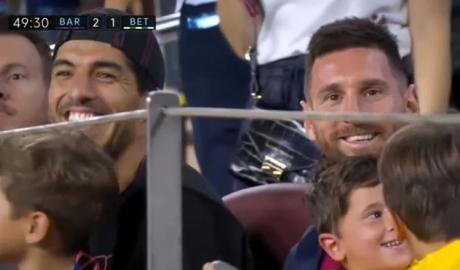 Messi và Suarez phấn khích sau bàn thắng đẹp của Griezmann