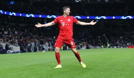Ronaldo thất bại khi mời Lewandowski đến Real