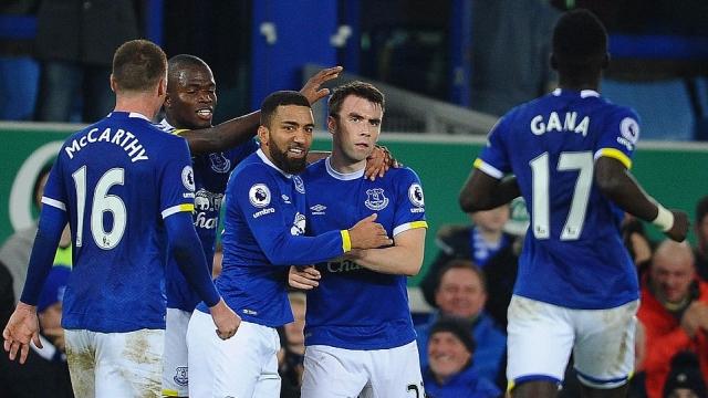 Everton 2-1 Arsenal: Cúi đầu rời Goodison Park