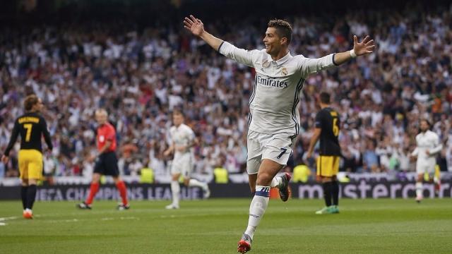 Ronaldo tiếp tục lập siêu kỷ lục sau hat-trick trước Atletico