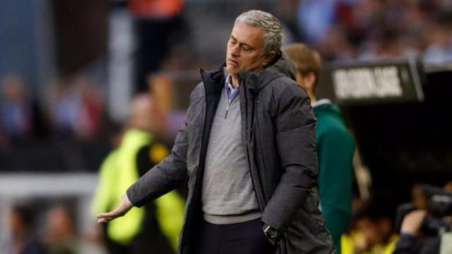 Mourinho vẫn không hài lòng dù đội nhà giành chiến thắng