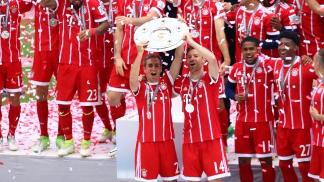 Lahm và Alonso nghẹn lời ngày chia tay Bayern Munich