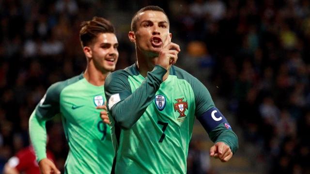 Ronaldo lại lập kỷ lục sau trận thắng Nga