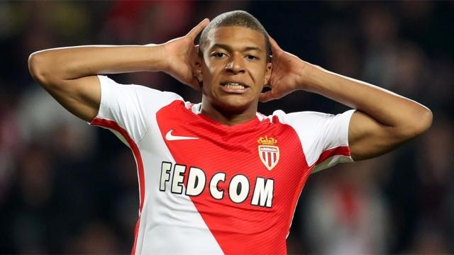 Monaco dùng lương khủng trói chân Mbappe