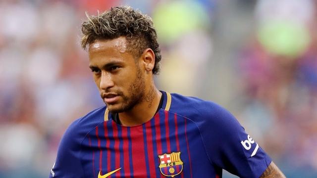 Điều gì đẩy Neymar rời Barca?