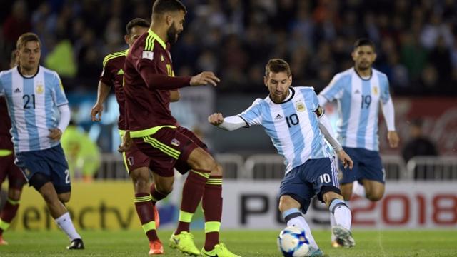 VL World Cup 2018 Nam Mỹ: Argentina hòa thất vọng, Uruguay bứt phá