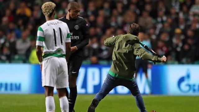 Celtic gặp họa khi để CĐV đạp Mbappe
