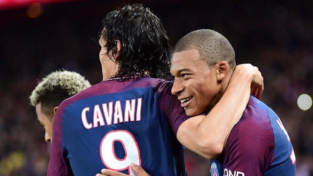 Tam tấu kém duyên, PSG thắng Lyon nhờ may mắn
