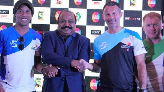 Hủy kèo trận futsal, Scholes, Giggs khiến CĐV Ấn Độ sôi máu