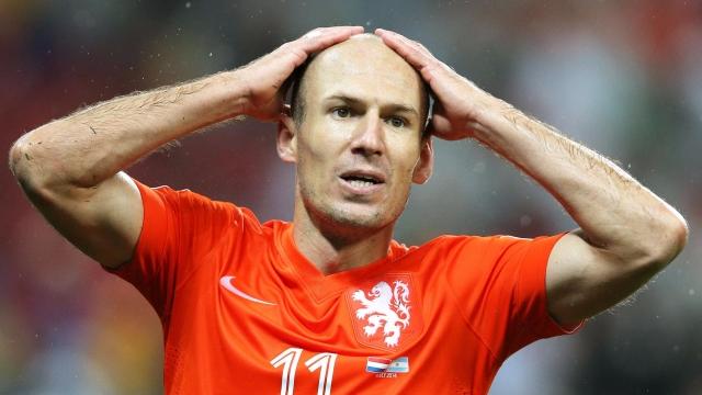 Robben nhụt chí trước nhiệm vụ thắng Thụy Điển... 7 trái