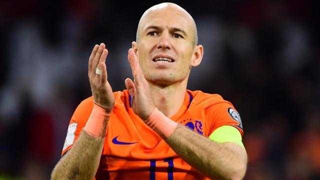 NHM Hà Lan ngậm ngùi chia tay công thần Robben
