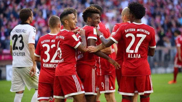 Vòng 8 Bundesliga: Dortmund bại trận, Bayern trở lại