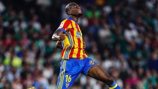 Kondogbia lập siêu phẩm, Valencia vững vàng ở ngôi nhì