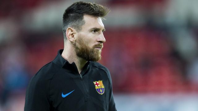 Messi úp mở về tương lai tại Barca