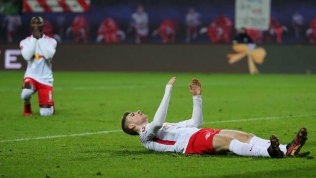 RB Leipzig thua sân nhà, chìm sâu vào khủng hoảng