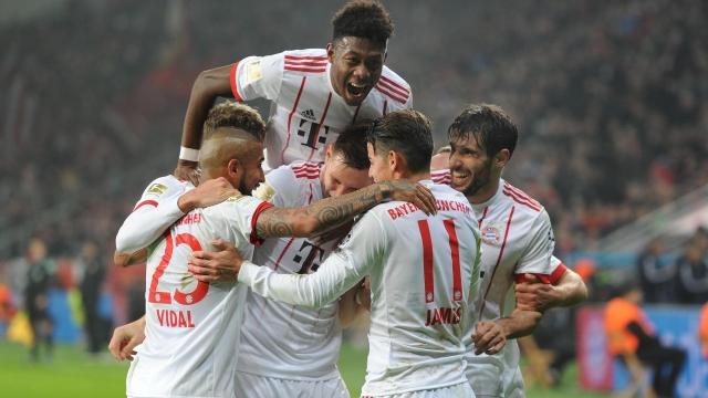 Bayern giành chiến thắng đầu năm, tăng khoảng cách lên 14 điểm