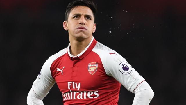 Thua Liverpool, Man City buông luôn vụ Alexis Sanchez