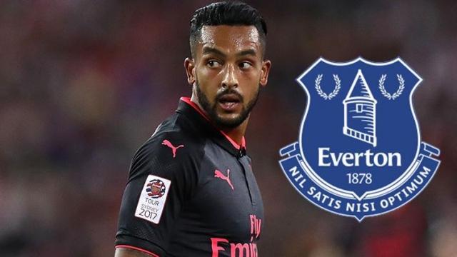 Everton đạt thỏa thuận chiêu mộ Walcott