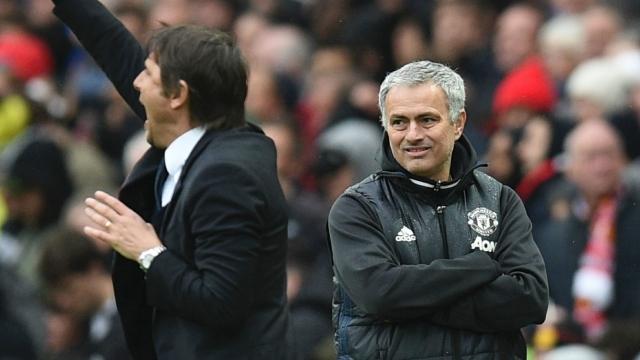 """""""Không thể so sánh, việc của Mourinho đơn giản hơn tôi"""
