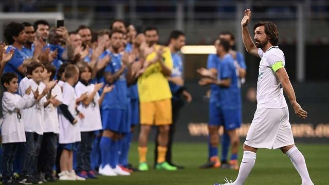 Huyền thoại bùng nổ, ghi 14 bàn ở trận chia tay Pirlo