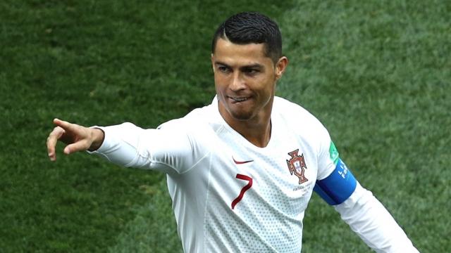 Ronaldo phá kỷ lục tồn tại 62 năm với bàn thắng vào lưới Morocco