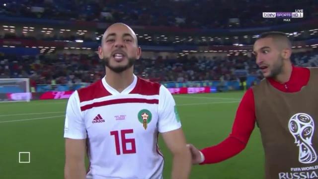 Cầu thủ Morocco chửi VAR ngay trên truyền hình