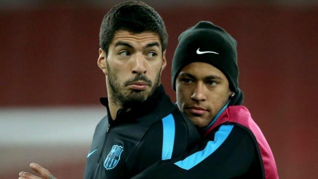 Neymar yêu cầu PSG bán Cavani mua Suarez?