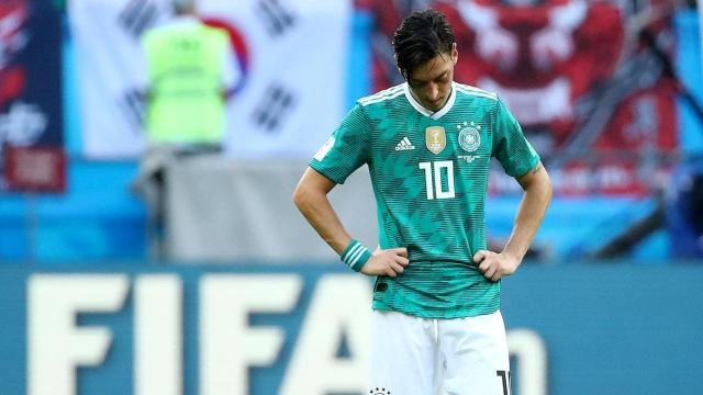 Mesut Ozil từ giã ĐT Đức vì bị phân biệt chủng tộc