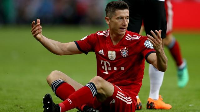 Bayern từ chối bán Lewandowski ngay cả với giá gấp rưỡi Ronaldo