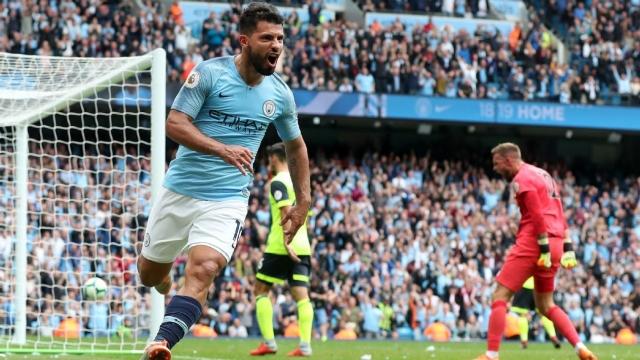 Aguero lập hat-trick, Man City đại thắng sáu bàn