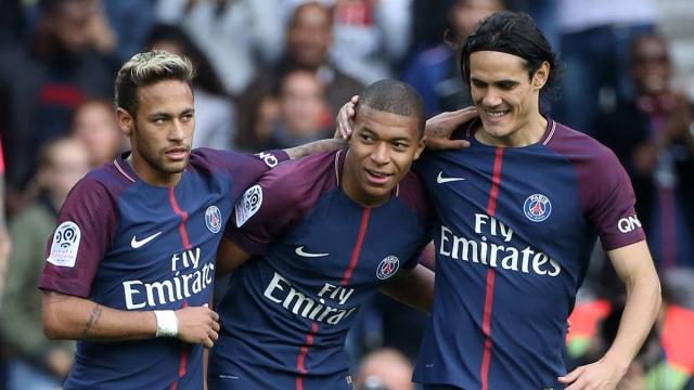 """Ligue 1 sau 2 vòng: PSG tiếp tục tiến bước, kẻ thách thức """"rụng rơi"""""""