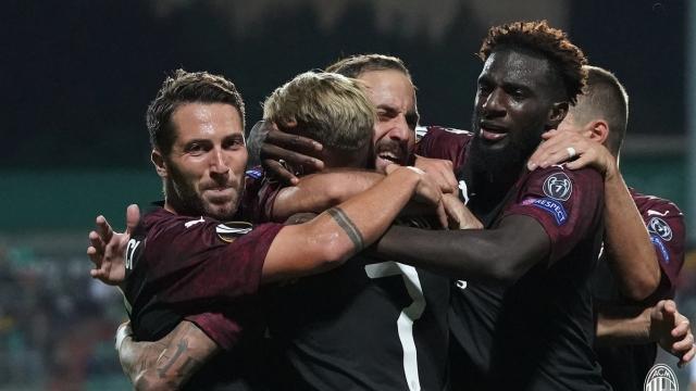 Higuain giúp Milan ra quân thắng lợi ở Europa League