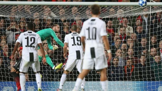 """Mourinho cảnh báo MU: Juventus - Ronaldo sắp """"cướp"""" De Gea 0 đồng"""