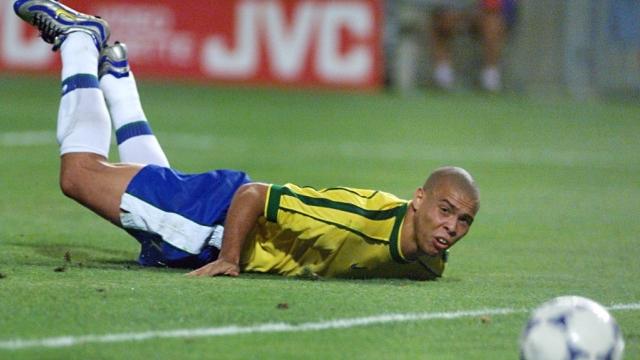 Ronaldo 'béo' nói về nghi án động kinh ở World Cup 1998